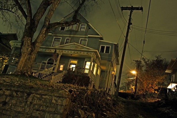 haunted-house-on-hill
